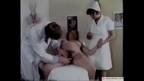 lyubovnikom-trahaetsya-nemetskoe-retro-porno-v-kabinete-doktora-telku