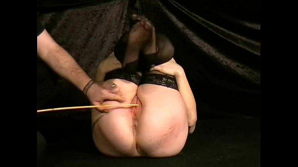 Наказание палкой по заднице порно ролики, групповое порно азиатских трансов